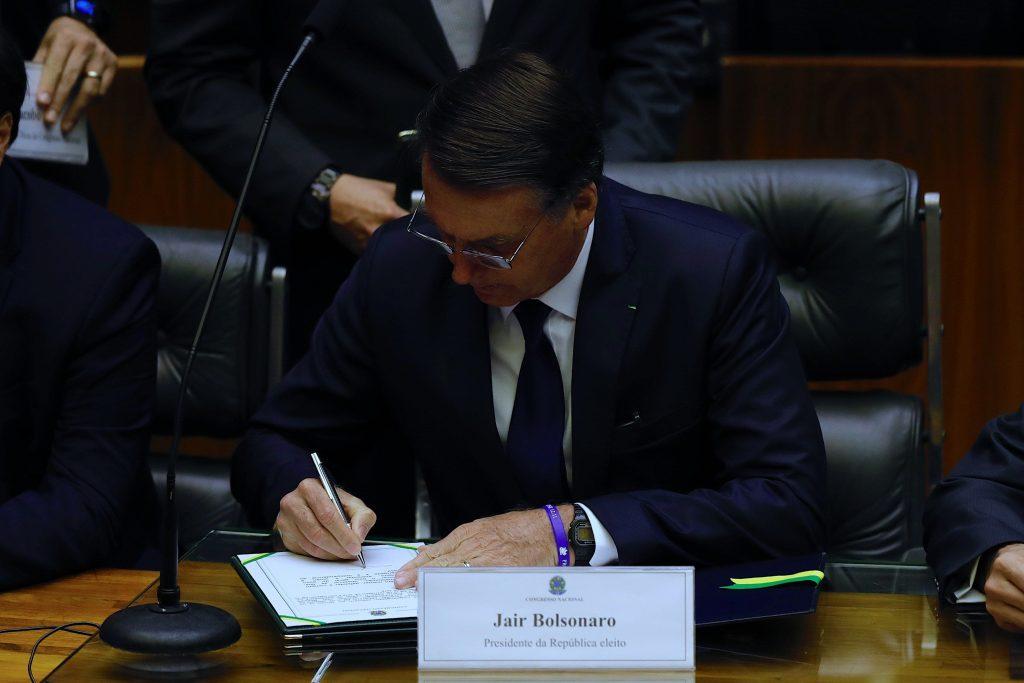 Bolsonaro promete liberar a Brasil