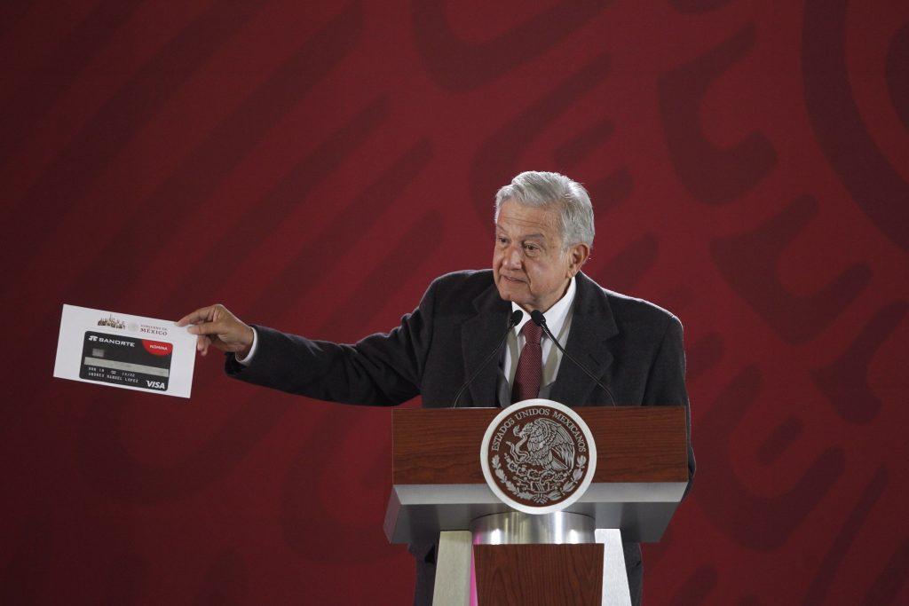 Banco de México lleva a Suprema Corte ley que regula salarios de funcionarios