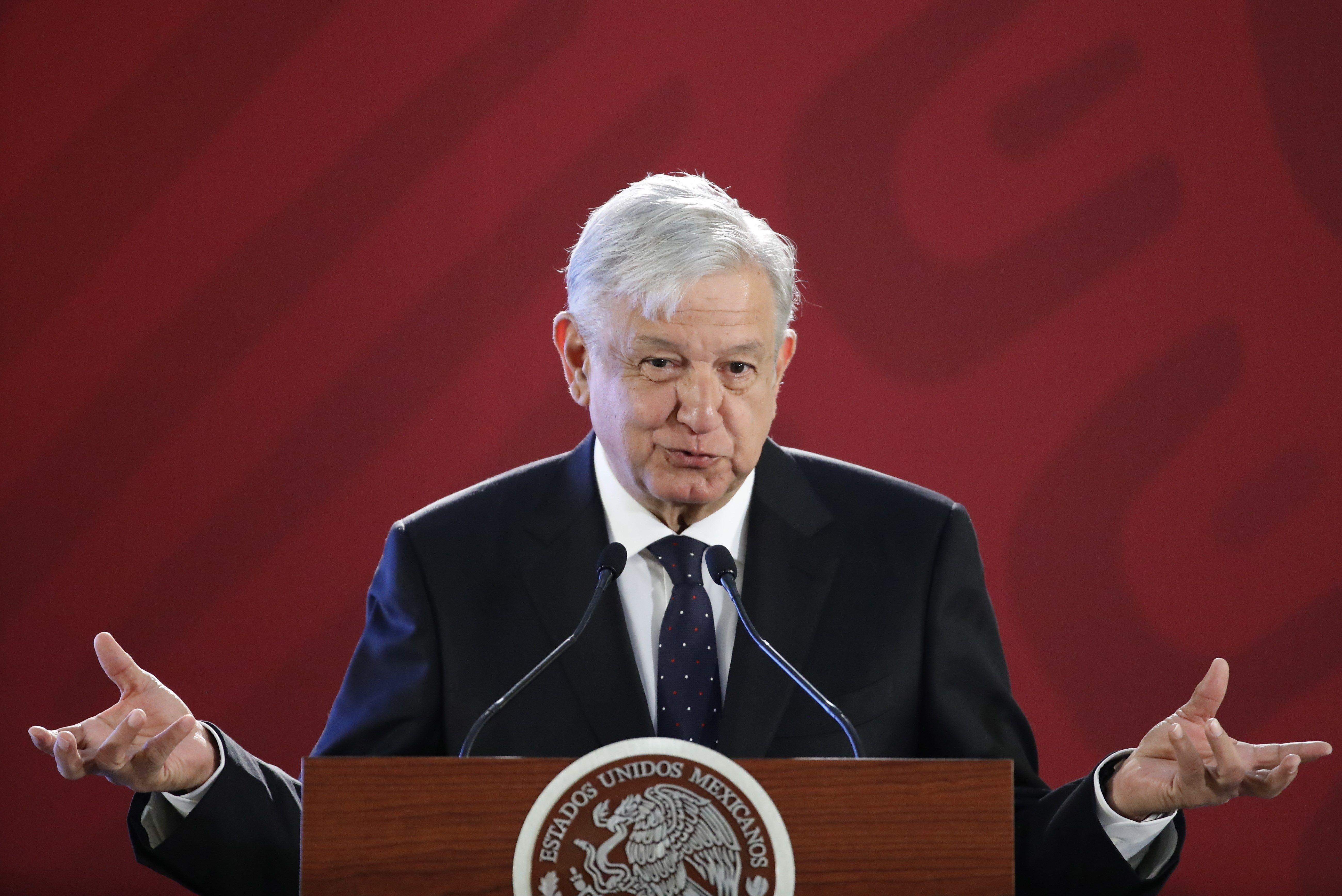 C.C.P. Francisco Javier Acuña Llamas, presidente del INAI