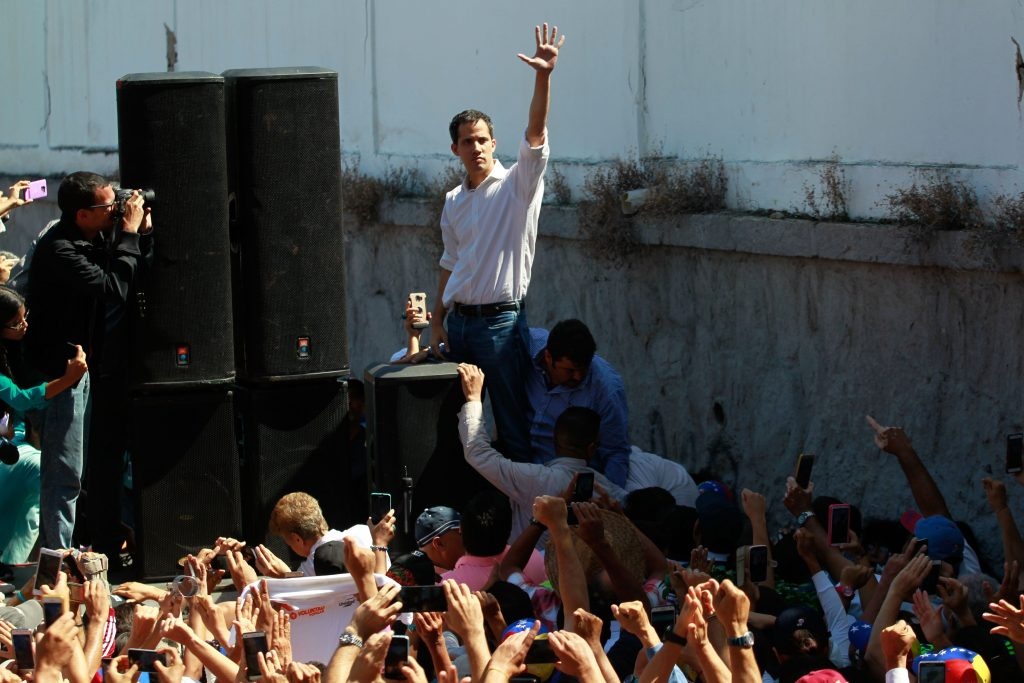 Guaidó dice su breve detención muestra