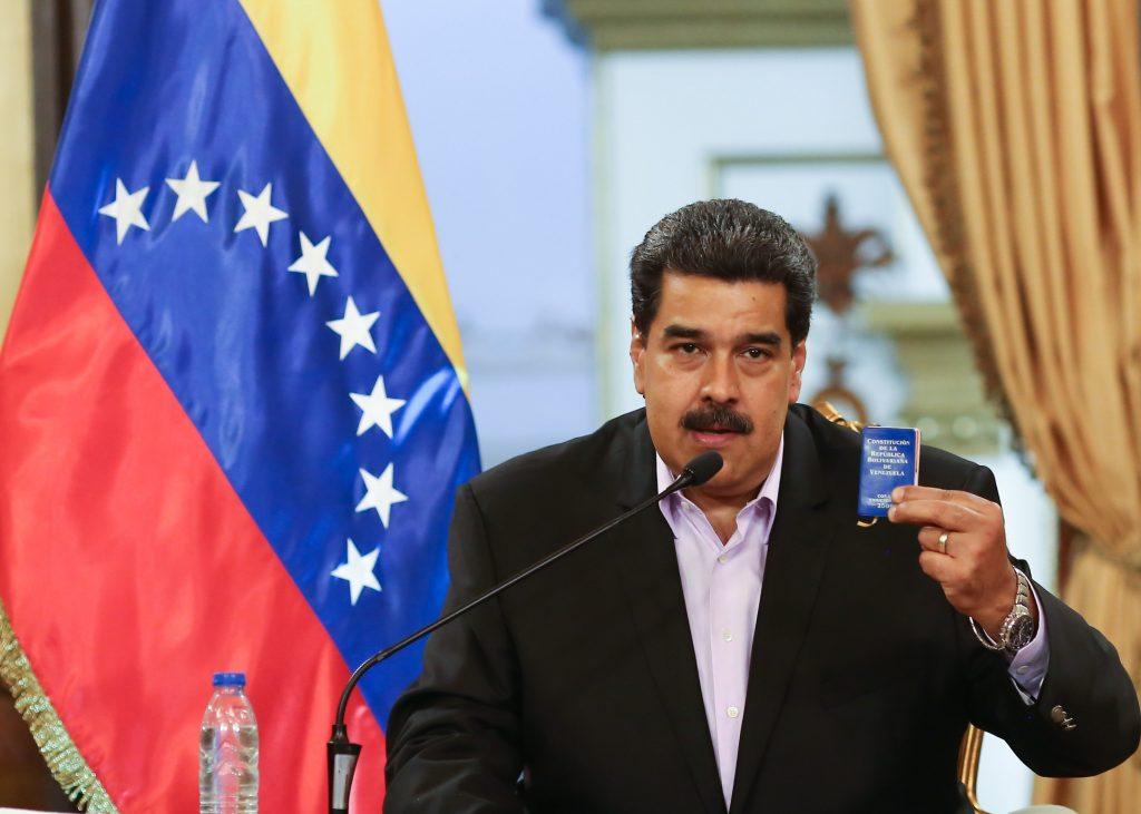 Maduro dice que tomará acciones legales para defender filial de Pdvsa en EEUU