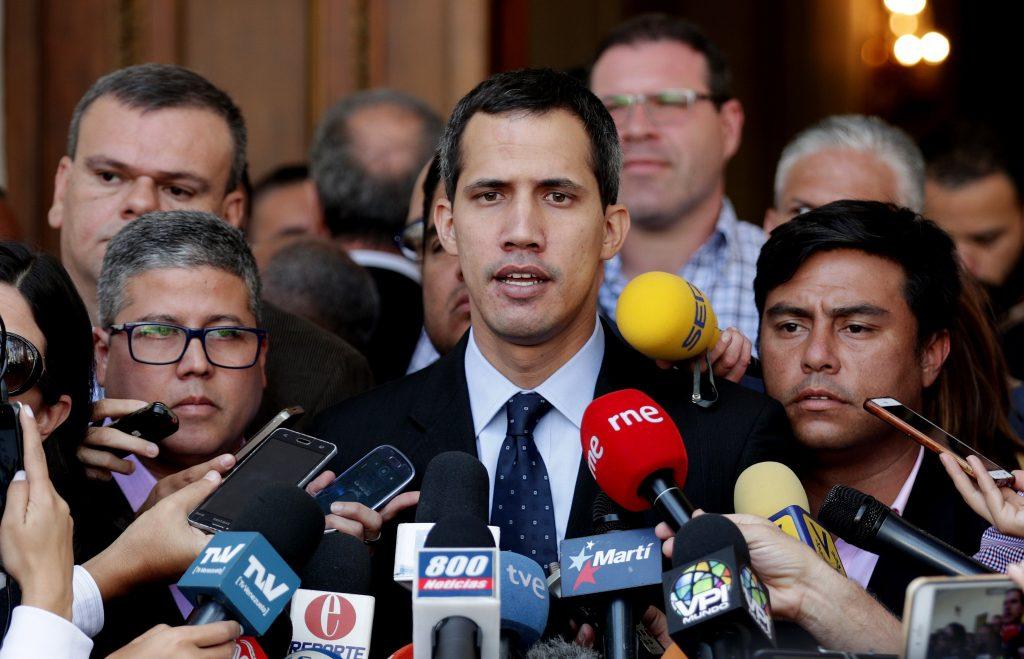 Guaidó llega a plenaria de la Asamblea Nacional