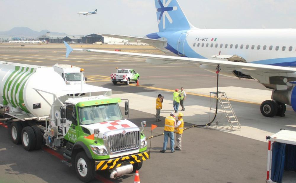 ASA-into-plane-Interjet_0