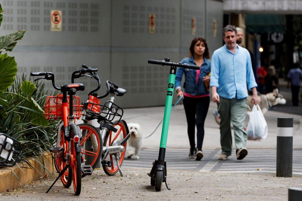 La guerra contra bicicletas y patinetes sin anclaje llega a México