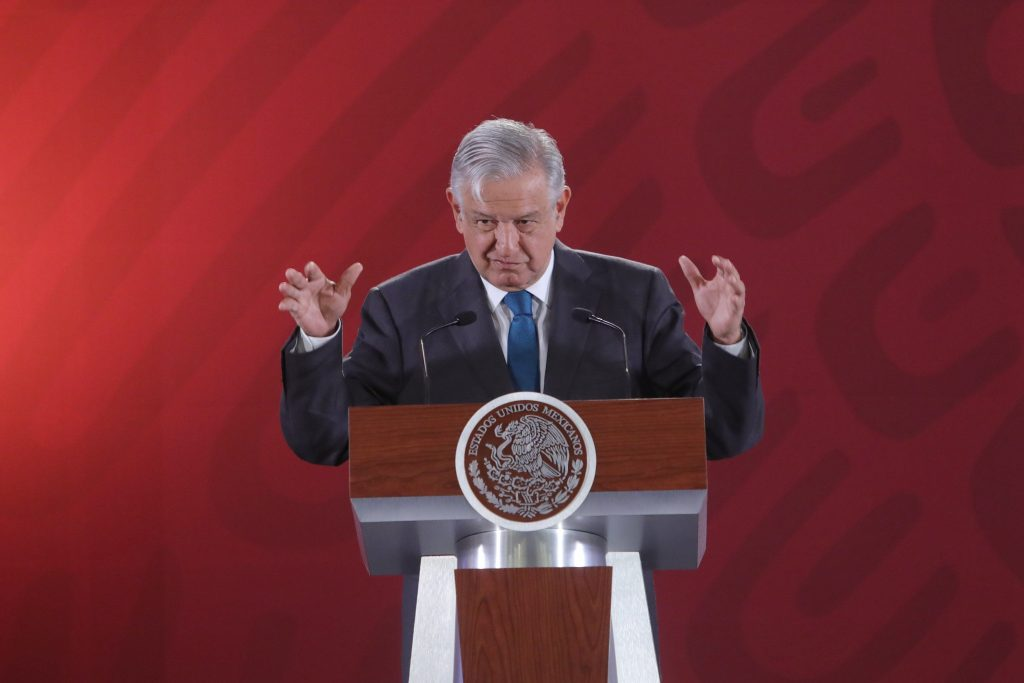 Presidente de México promete publicar archivos reservados de Policía Federal