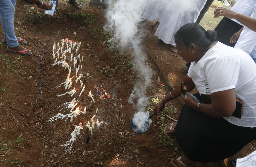 Muertos en Sri Lanka suben a 359 y autoridades sigue alerta a