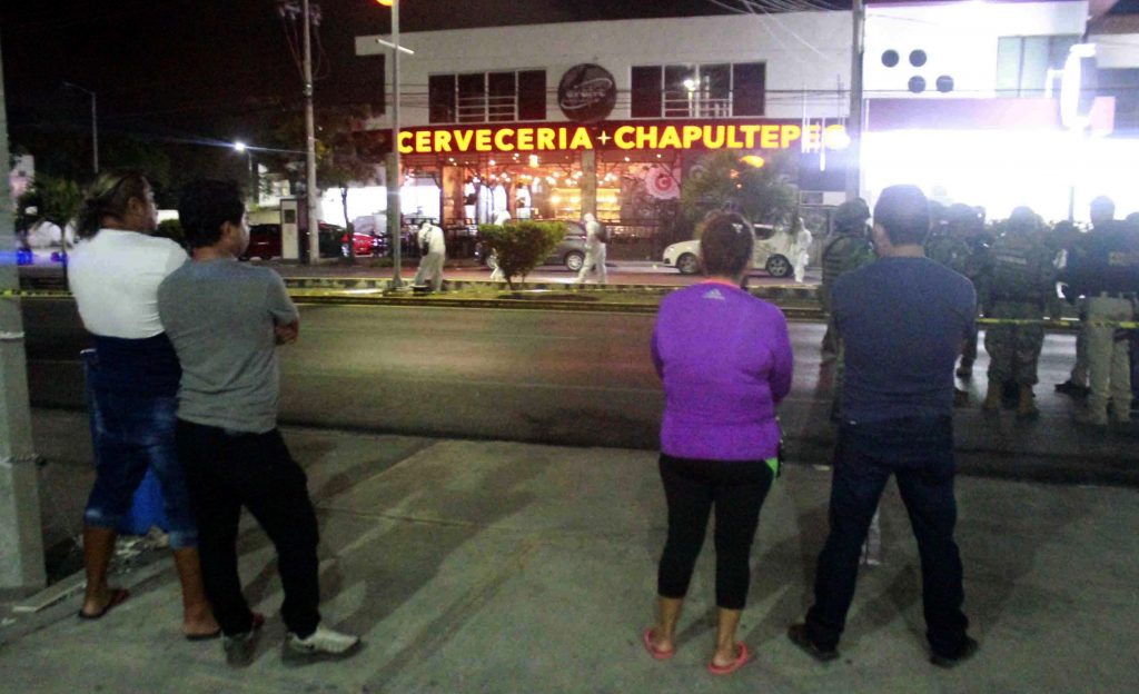 Ataque armado en bar de mexicana Playa del Carmen deja un muerto y 11 heridos