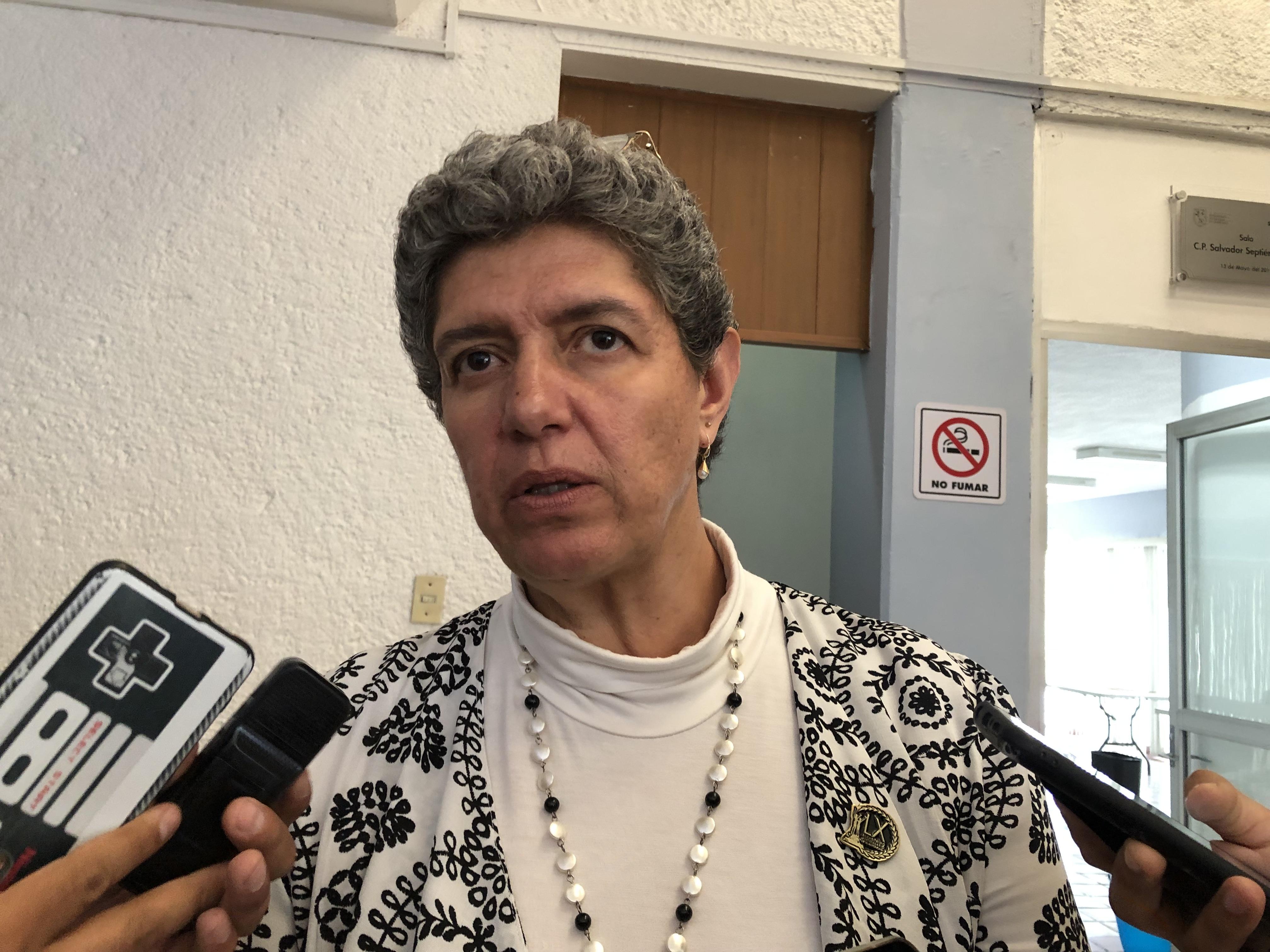 """""""No podemos coaccionar a estudiantes para que atiendan casos de COVID-19"""": Rectora de la UAQ"""