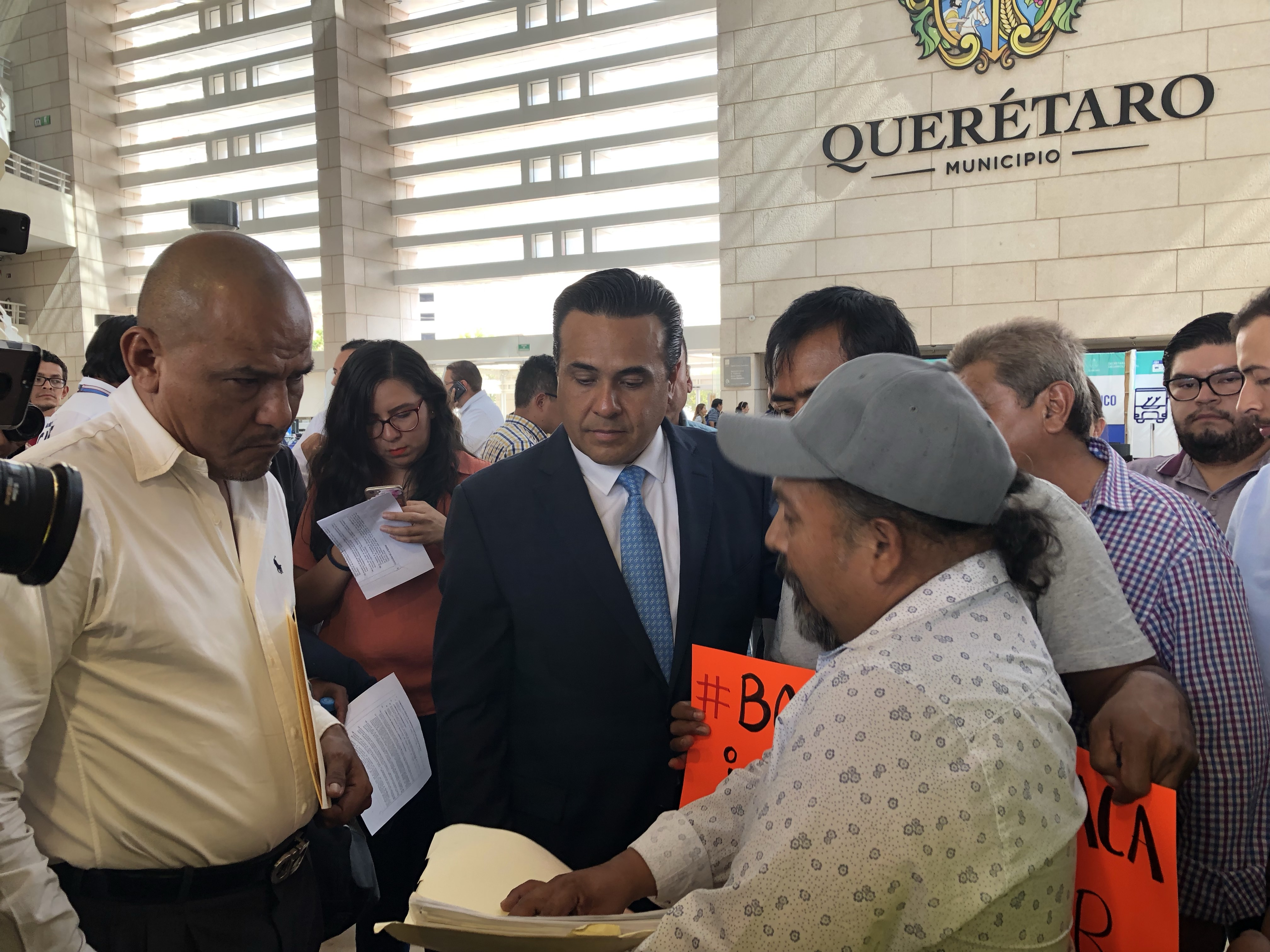 Colonos piden a Nava solución al paso del agua en Menchaca y Peñuelas