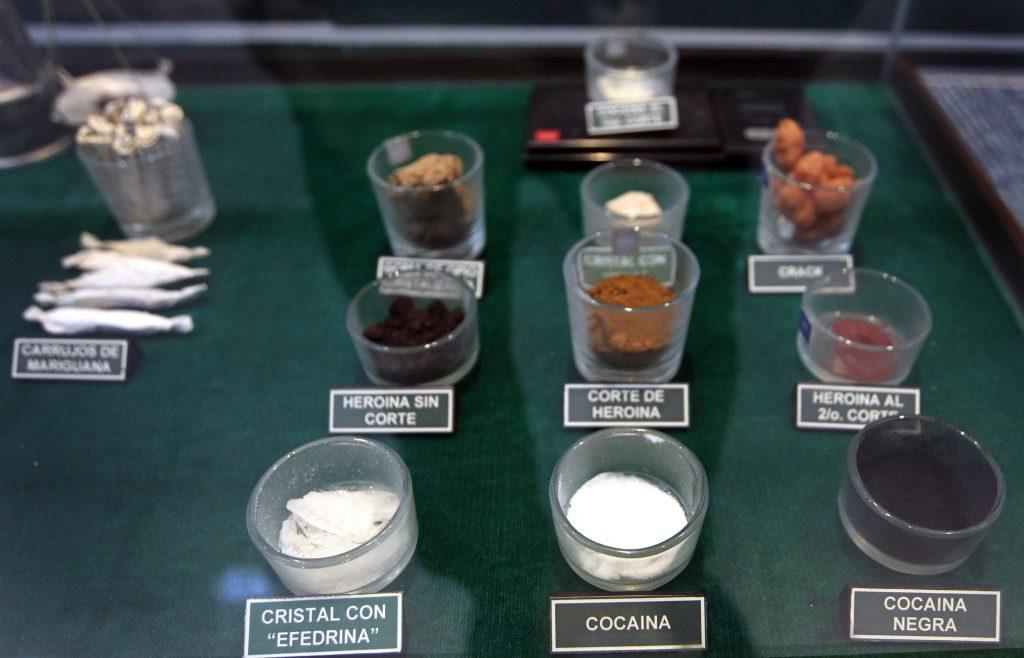 Ejército mexicano expone lucha contra las drogas en el Museo del Enervante
