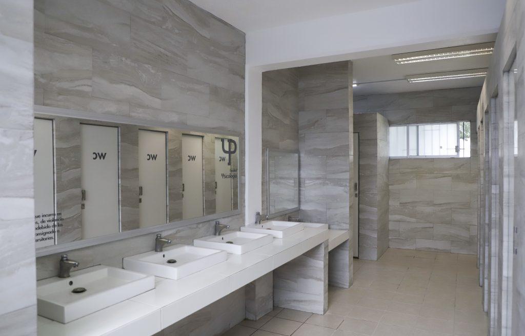 baños incluyentes uaq