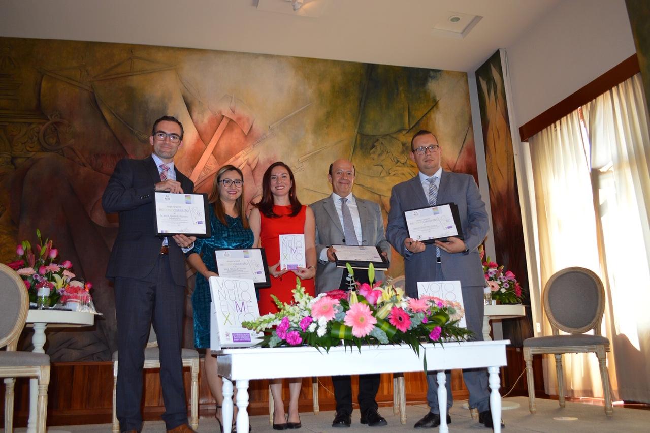 Presenta IEEQ libro sobre el voto nulo en México