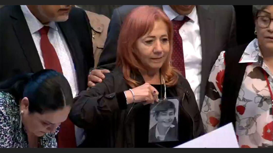 Ignorante, el presidente de la República; ignorante, Rosario Piedra
