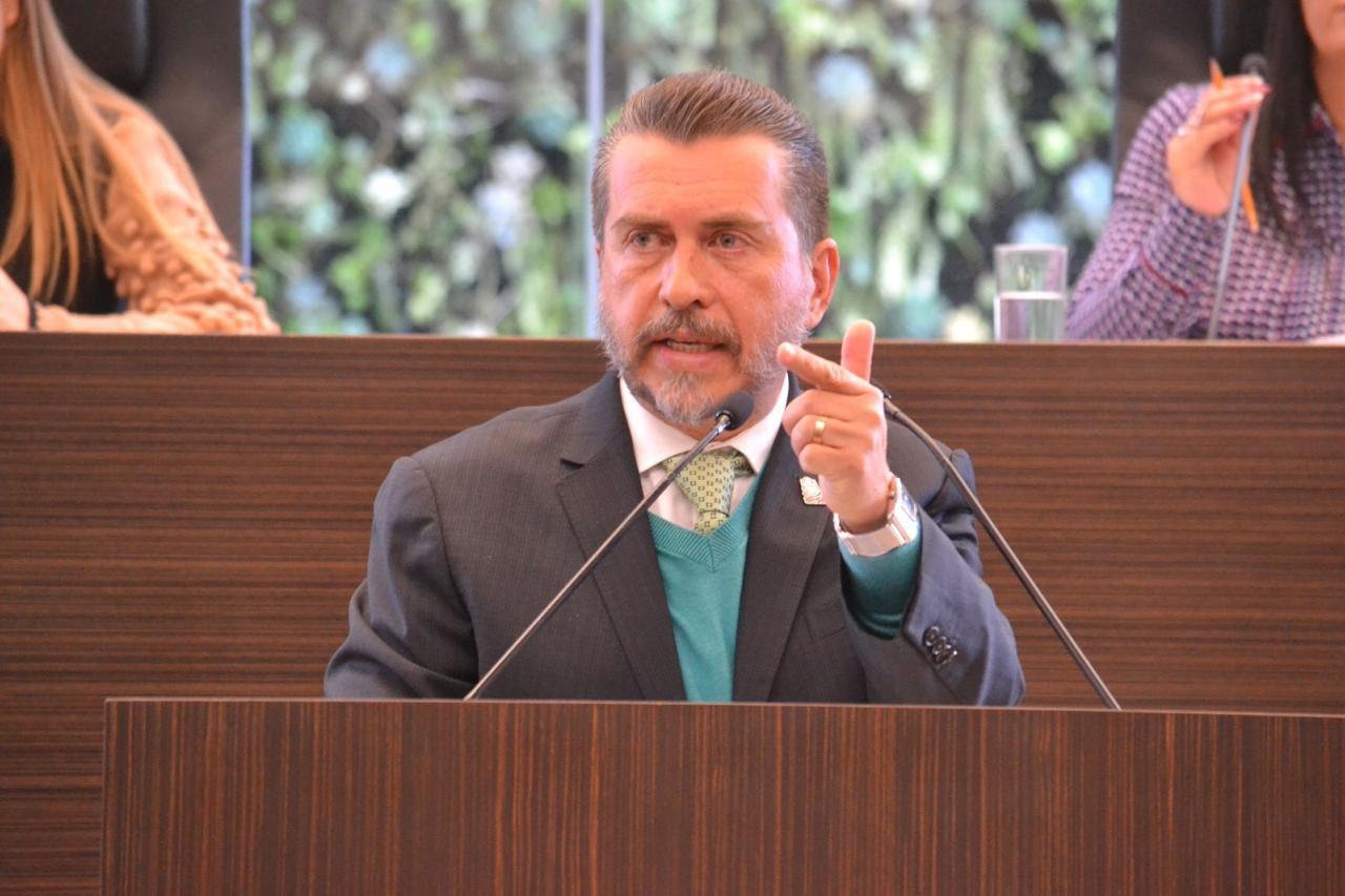 Se autodescarta Hugo Cabrera para encabezar el PRI en Querétaro