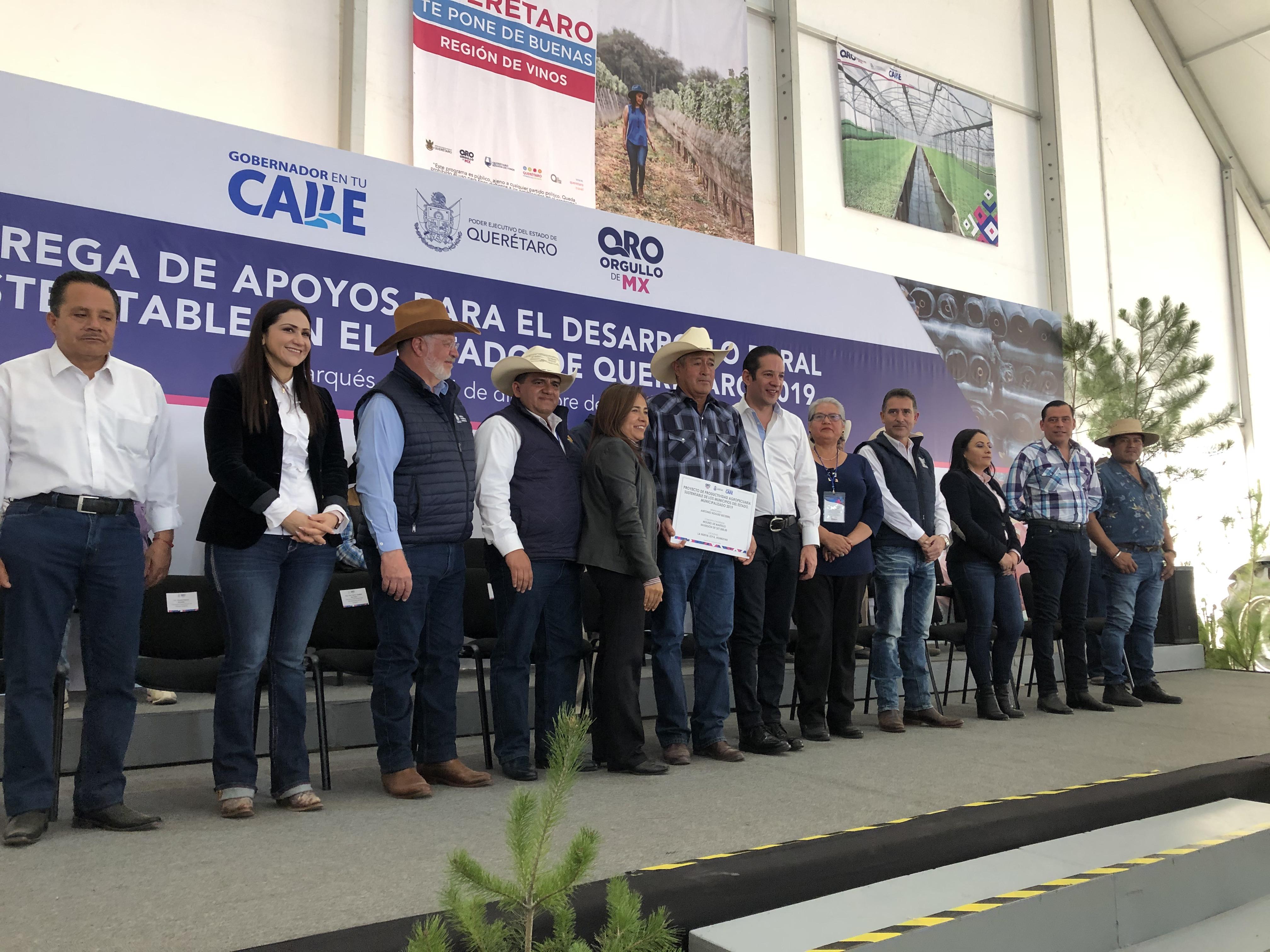 Entrega FDS 100 millones de pesos para inversión agropecuaria