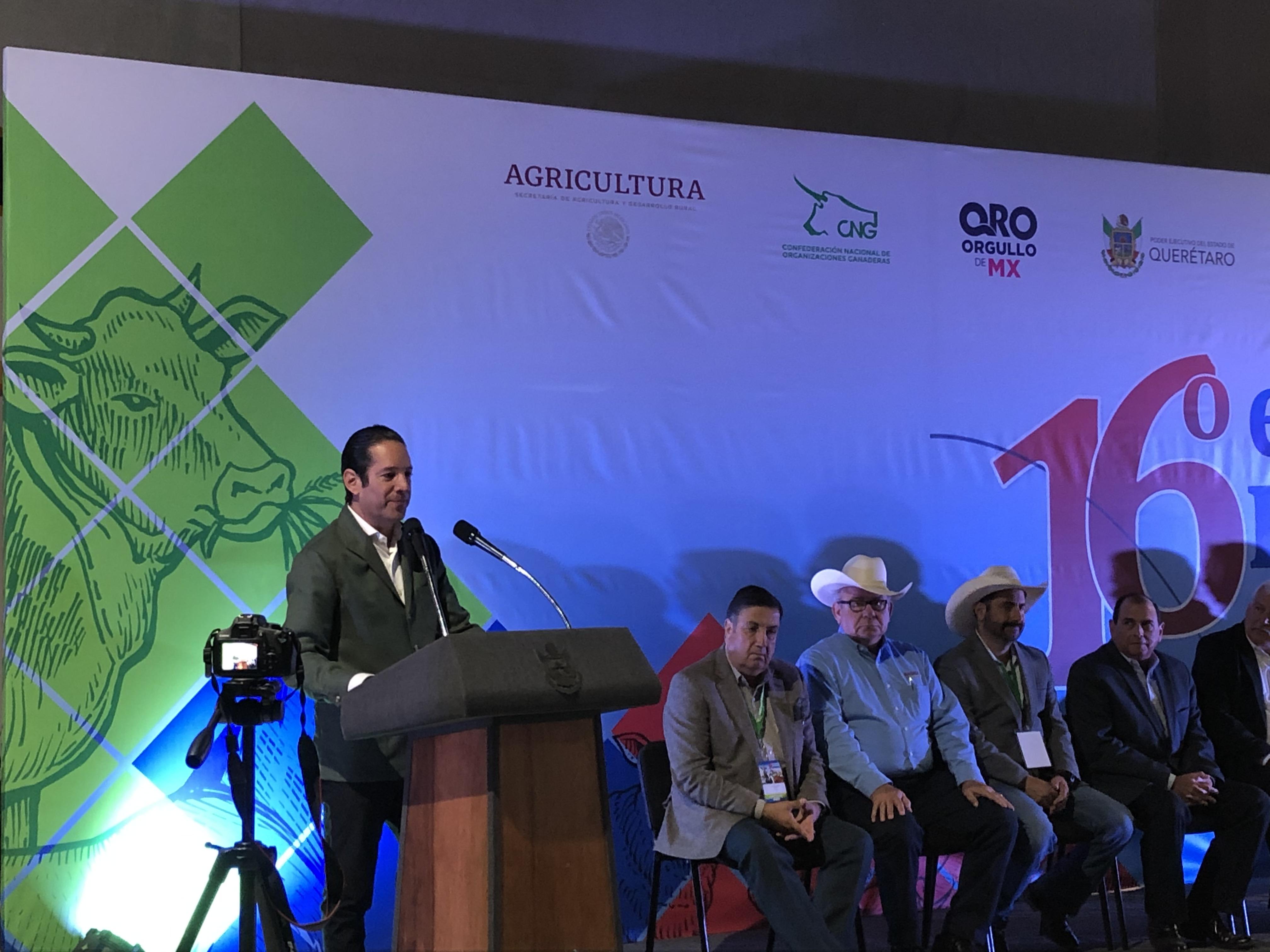 Pancho Domínguez se suma a UGRQ para exigir apoyos a ganadería