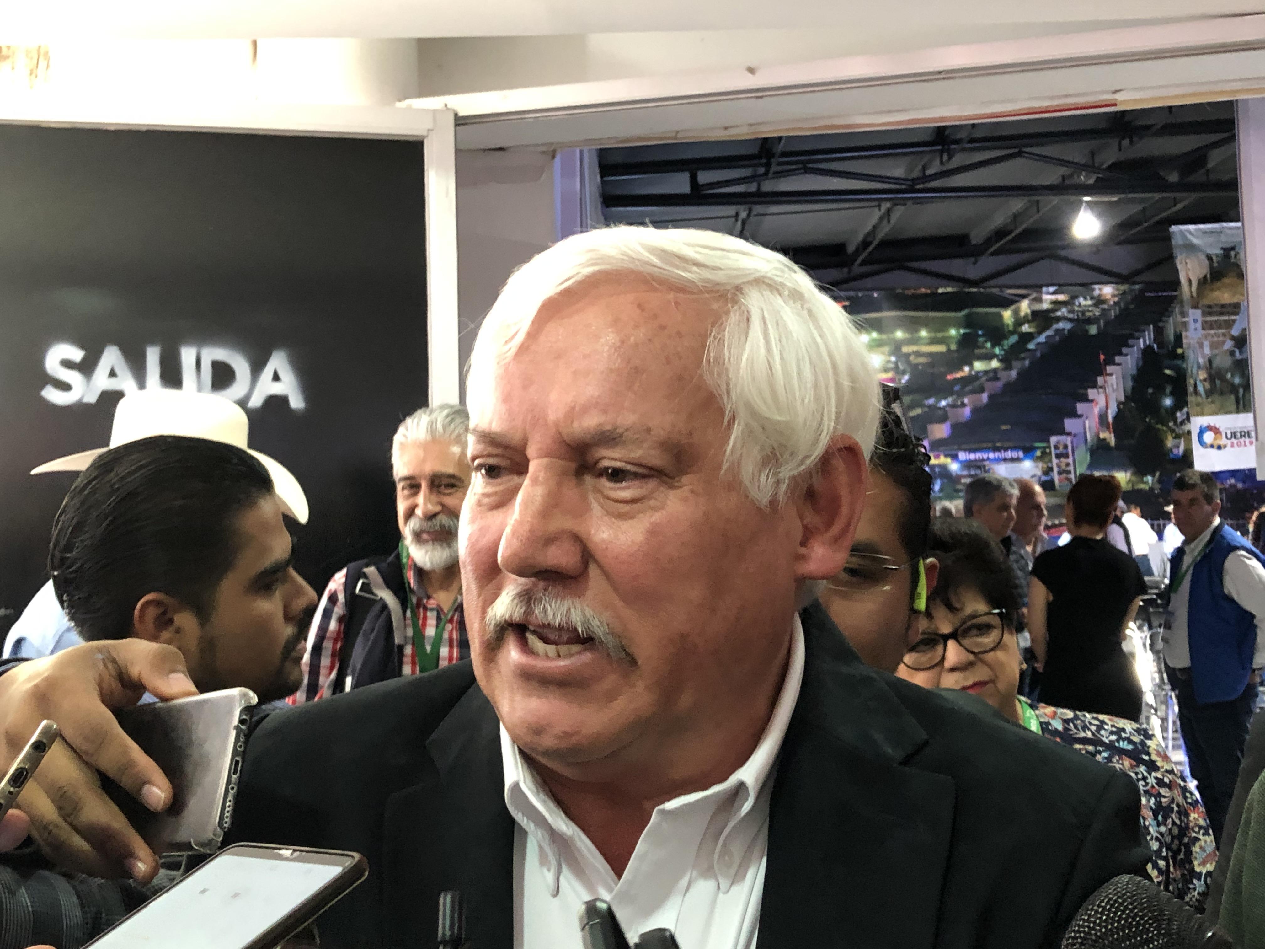 SADER se compromete a gestionar recursos para ganaderos de Querétaro