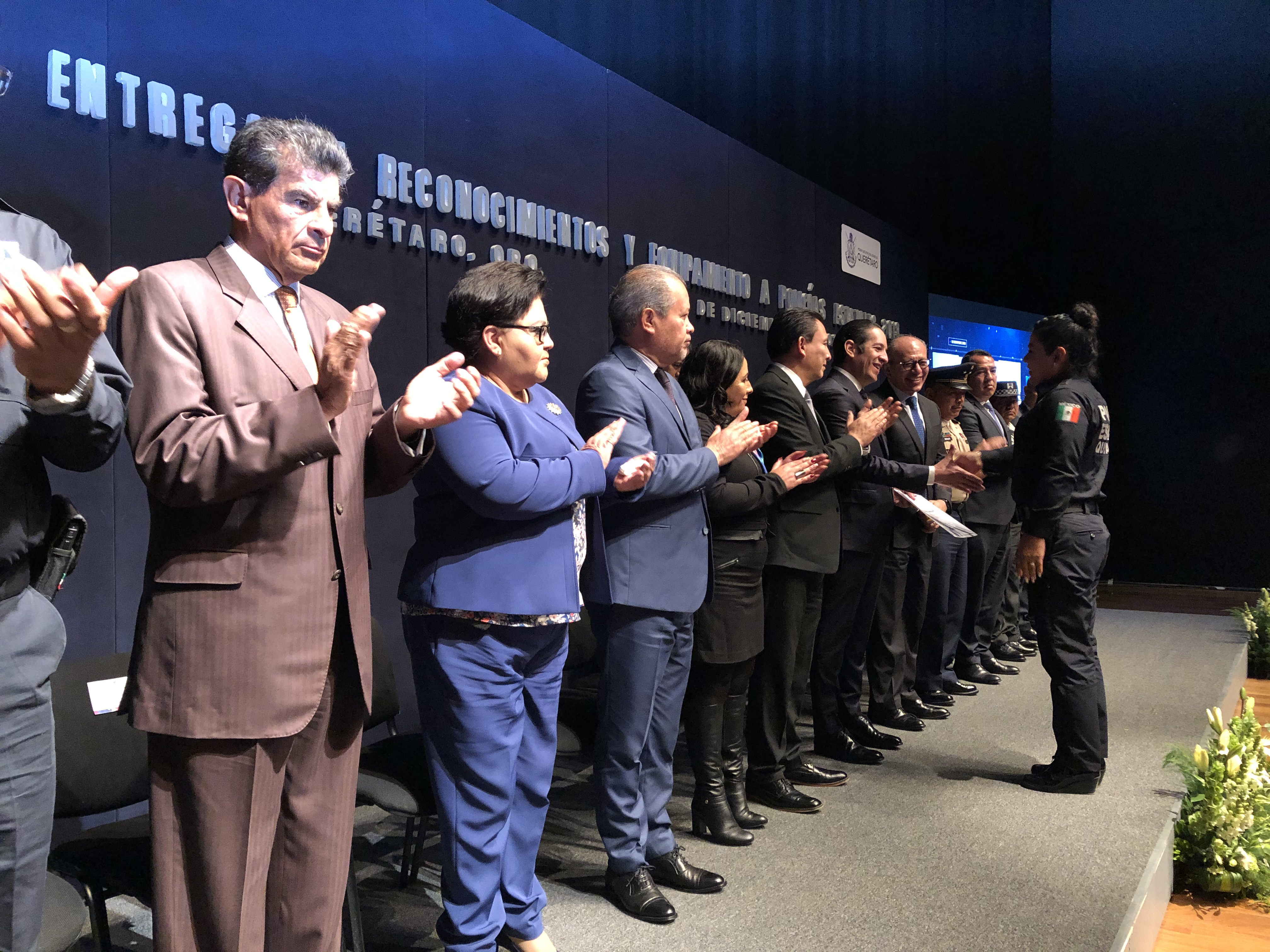 Reconoce gobierno estatal a 150 policías de varias corporaciones