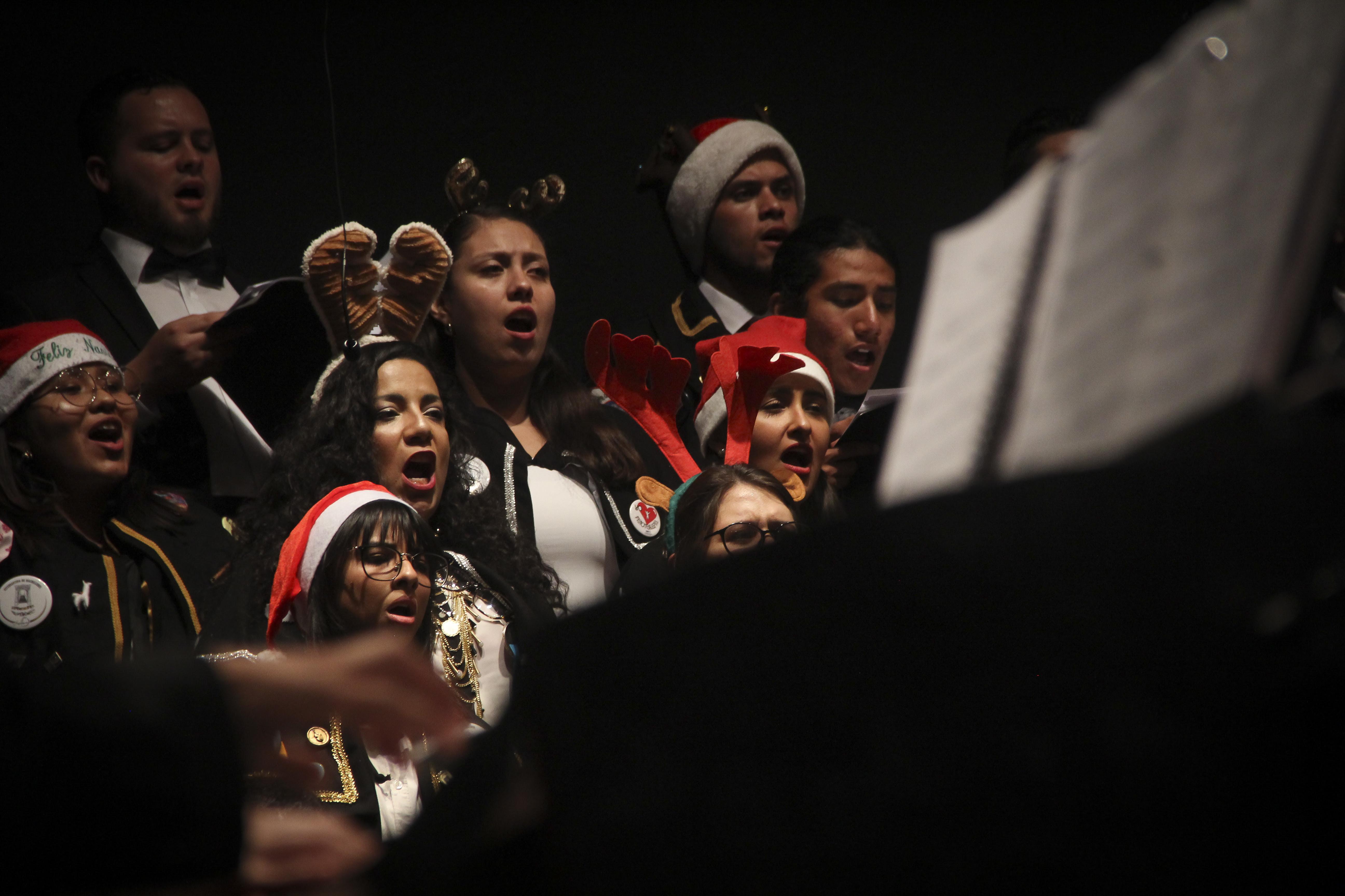 Un éxito, concierto navideño de la Facultad de Bellas Artes de la UAQ