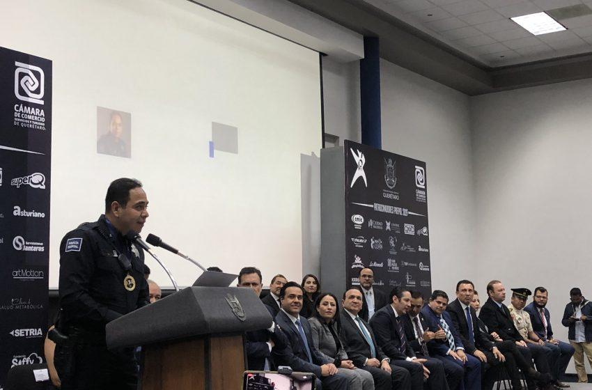 Con casa en Ciudad Maderas premian a policía del año