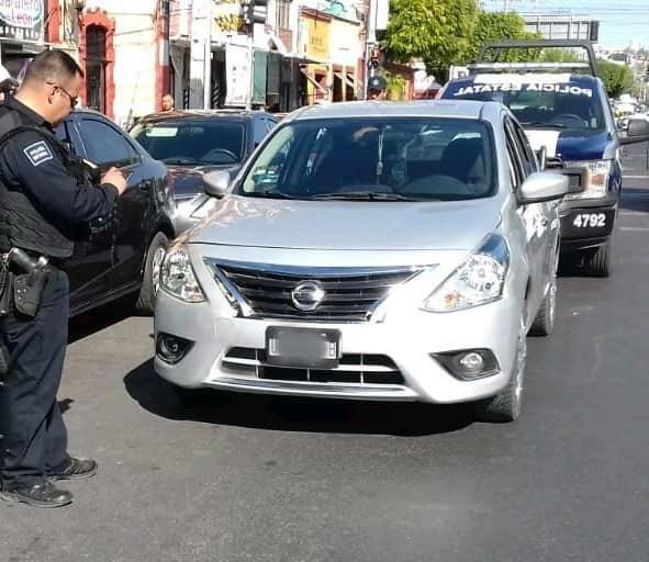 Arcos lectores de placas permiten a policía estatal de Querétaro recuperar vehículo robado en Jalisco