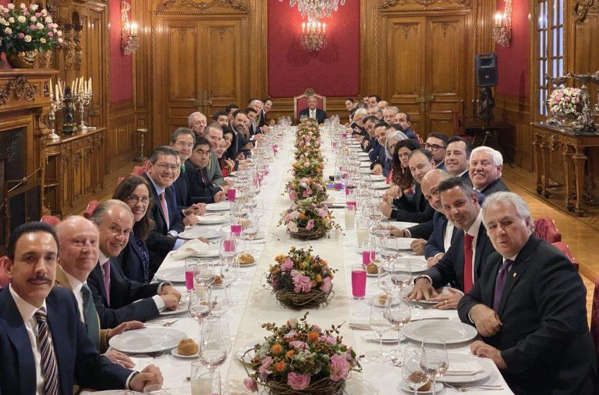 Se reúne Pancho Domínguez con AMLO y gobernadores de otros estados