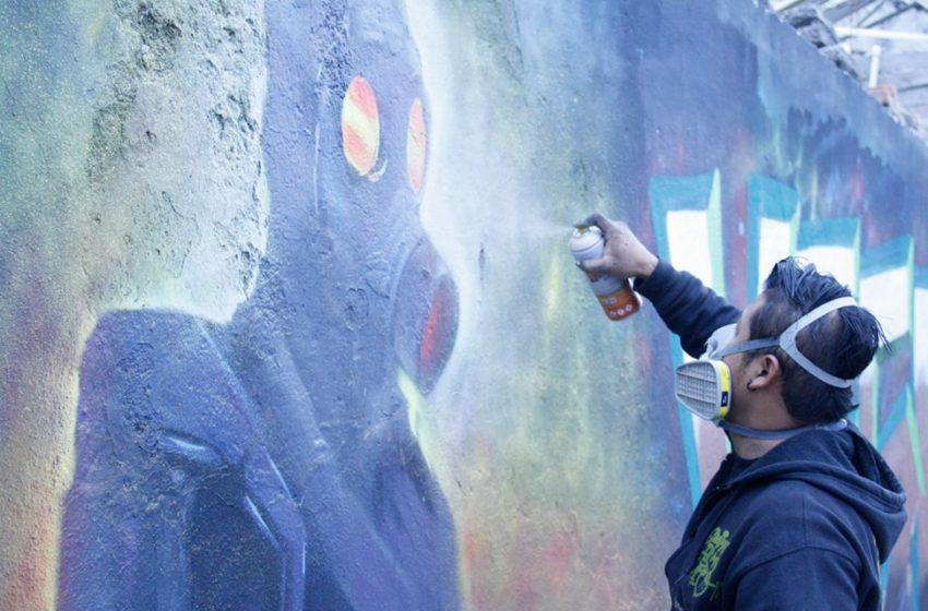 Artistas urbanos intervienen paredes de Amazcala