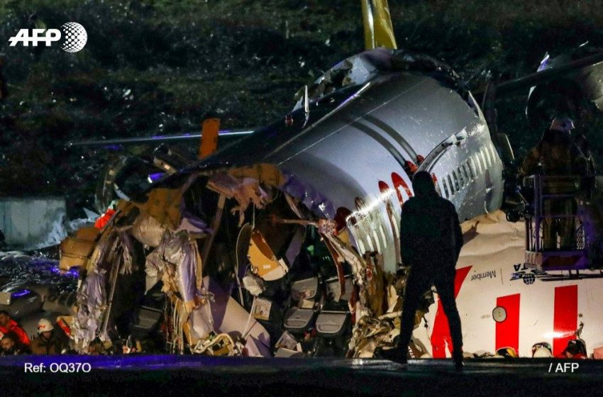 Espectacular accidente: avión sale de la pista, se parte en 3 y milagrosamente no hay muertos