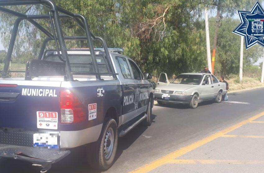 Policía de El Marqués asegura a tres sujetos en posesión de un auto robado