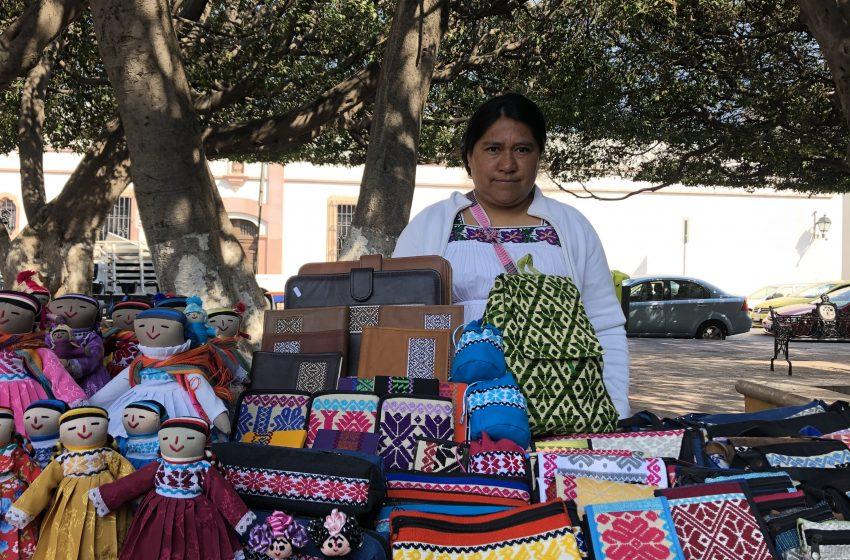 El jardín Guerrero se llena de artesanos con la Expo Multicultural y Artesanal Indígena