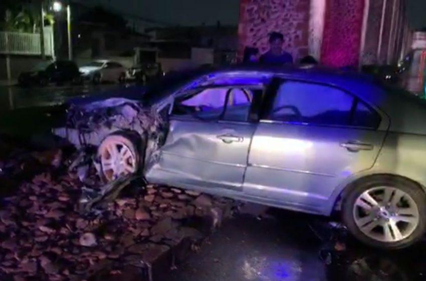 SSPMQ reporta choque grave sobre Calzada de los Arcos