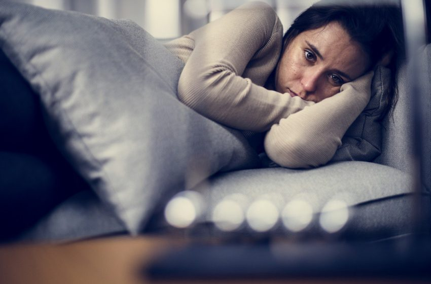 Profesionales de la salud mental dan medidas para evitar ansiedad por brote de COVID-19