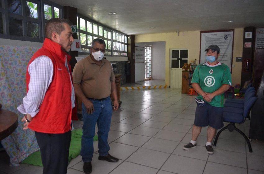 Entrega Hugo Cabrera insumos para atender contingencia en albergue para migrantes