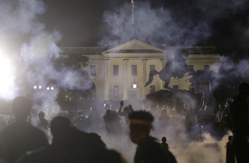 Protestas por George Floyd llegan hasta la Casa Blanca y decretan toque de queda en Washington