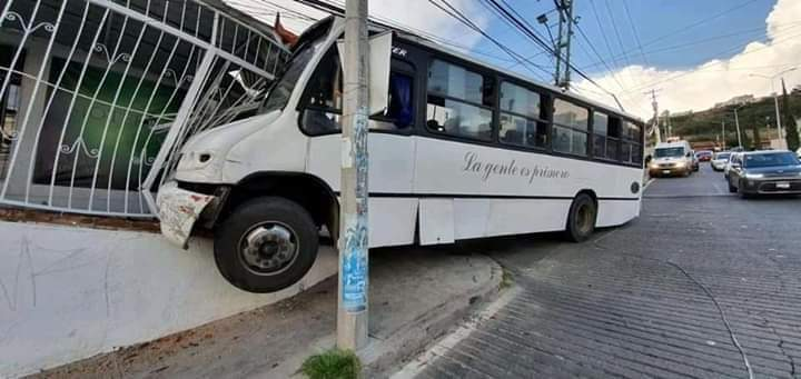 Revocará IQT concesión a ruta que chocó contra casa en Belén