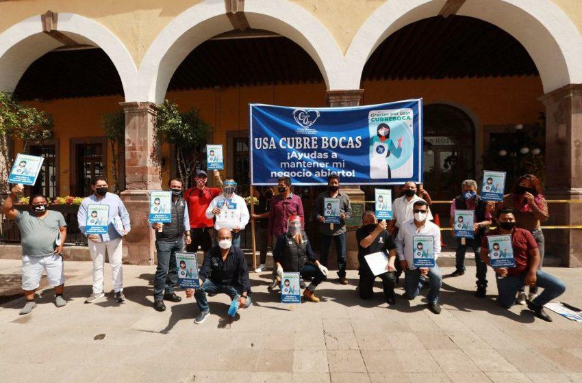 Vecinos de Centro Histórico de Querétaro se suman a jornada de limpieza y sanitización