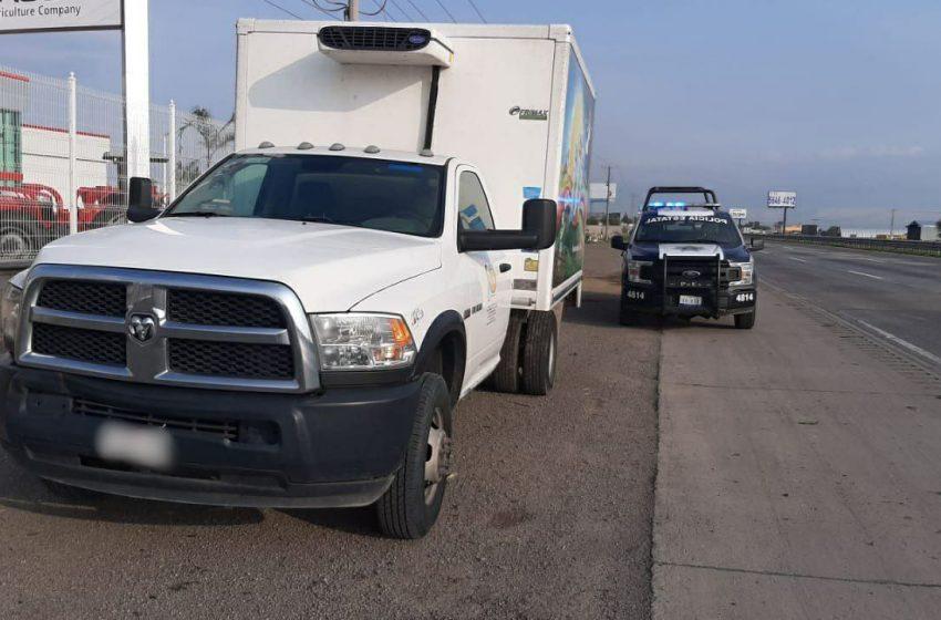 Policía estatal de Querétaro recupera camioneta con reporte de robo