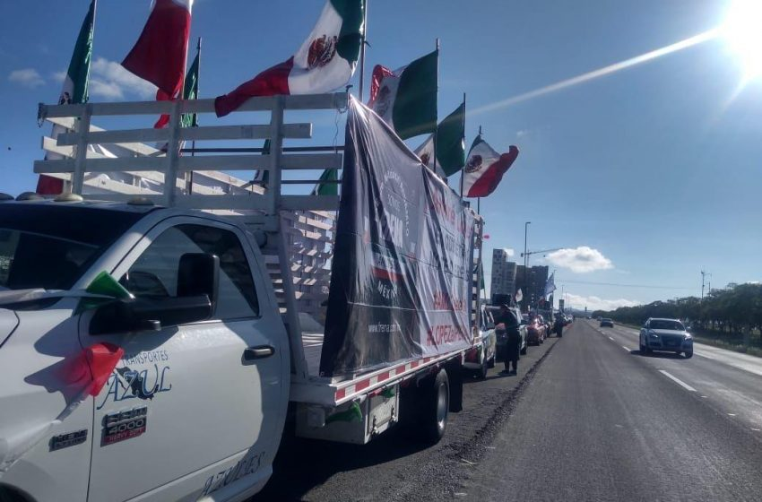 Vuelven queretanos a mostrar su rechazo a AMLO con cuarta caravana de FRENA