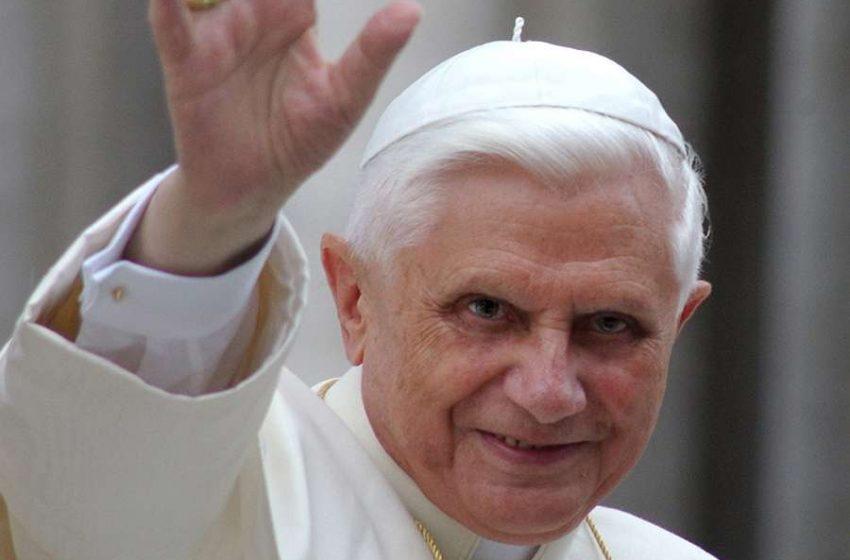 """Reportan como """"delicada"""" la salud del papa emérito Benedicto XVI"""