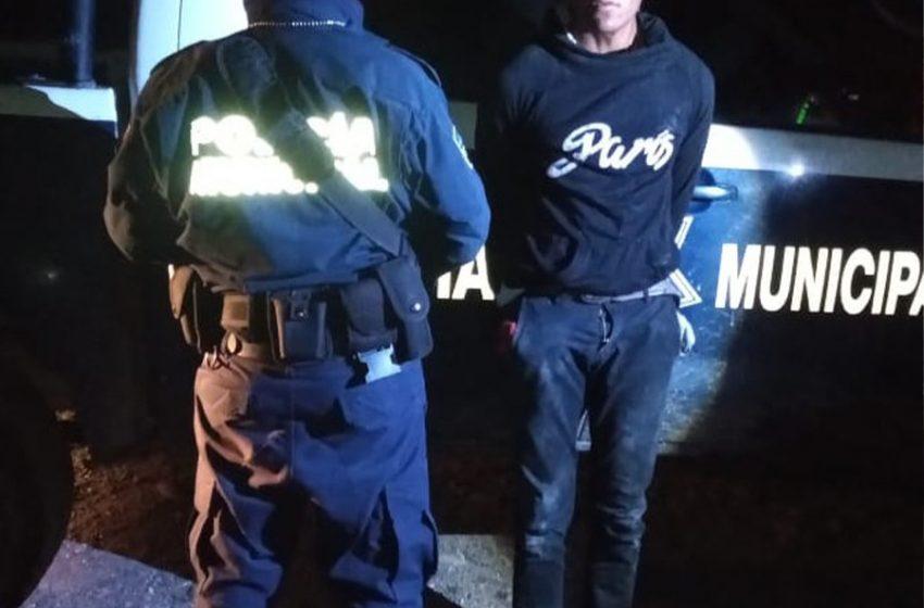 Detienen a joven por presunto robo con violencia a transporte público