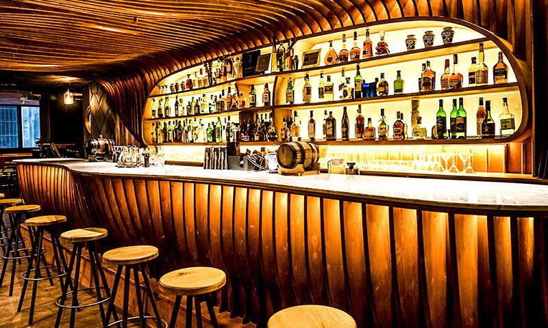 Gobierno capitalino analizará entrega de apoyos a empresarios de bares y antros