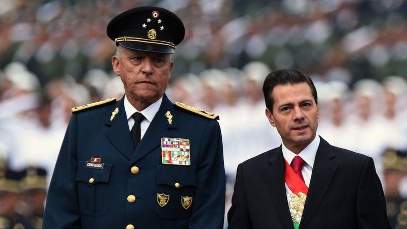 Salvador Cienfuegos es investigado por narcotráfico; tiene cinco cargos en su contra