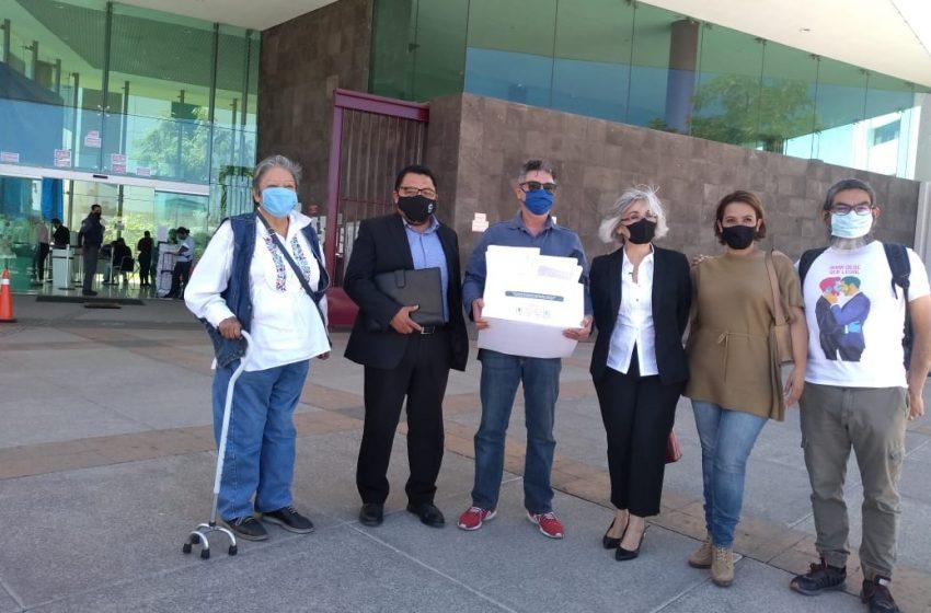 Activistas presentan amparo para que se legisle sobre matrimonio igualitario en Querétaro