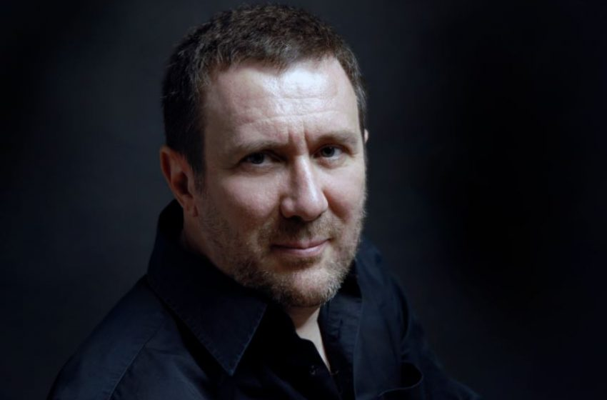 Español Luisgé Martín gana premio Herralde de novela