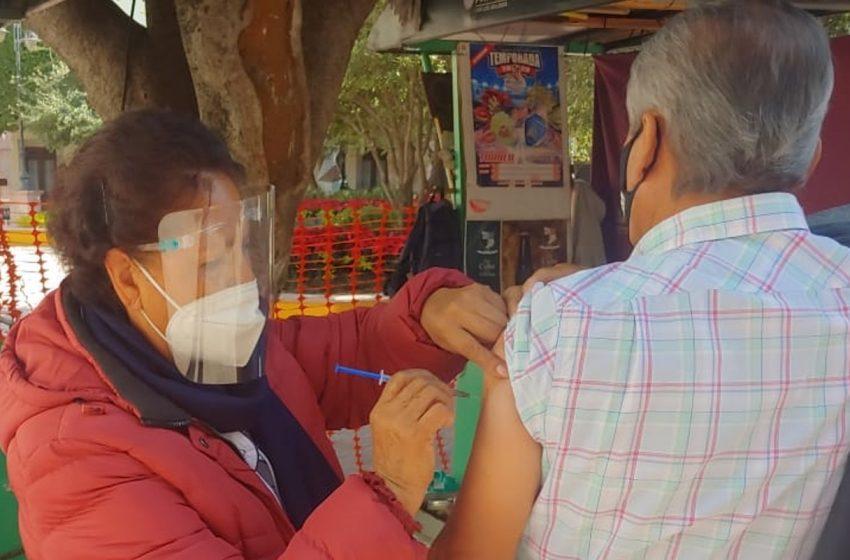 Registrarse para la vacunación antiCOVID, un calvario para los adultos mayores