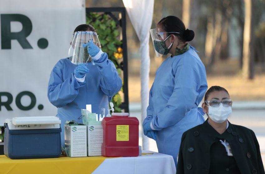 Reanudarán vacunación de personal de salud queretano el próximo 14 de enero