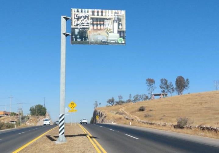 Colocan nueva señalética turística  en carreteras de Querétaro