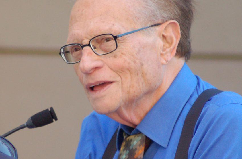 Muere a los 87 años el presentador estadounidense Larry King