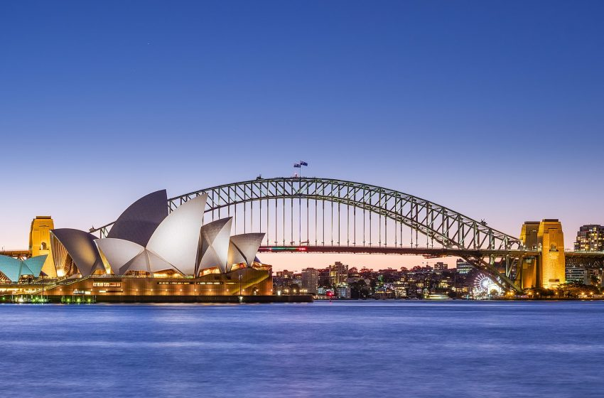 Gobierno australiano llega a acuerdo con Facebook; la empresa tendrá que pagar a medios por información