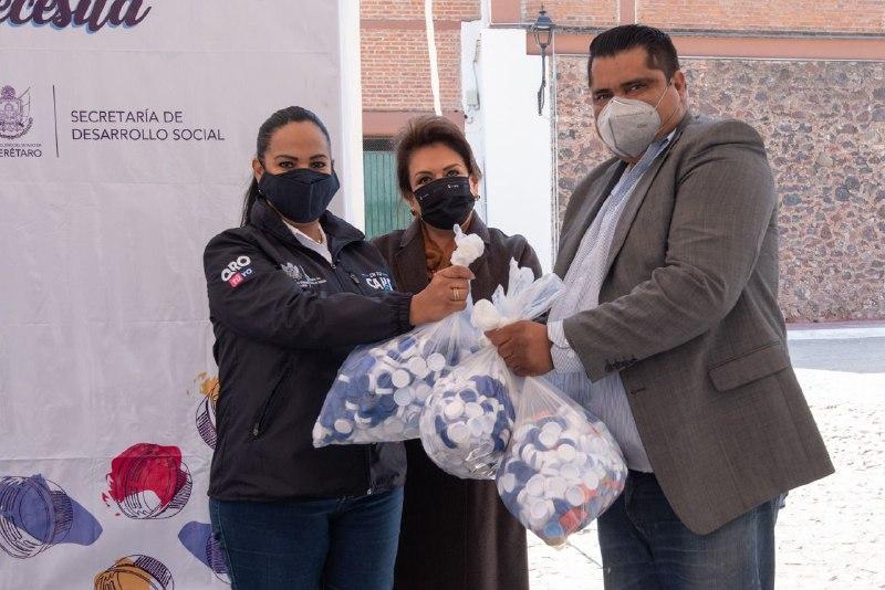 "Dona El Marqués 2 toneladas de tapas de plástico a programa ""Destapa tu causa"""